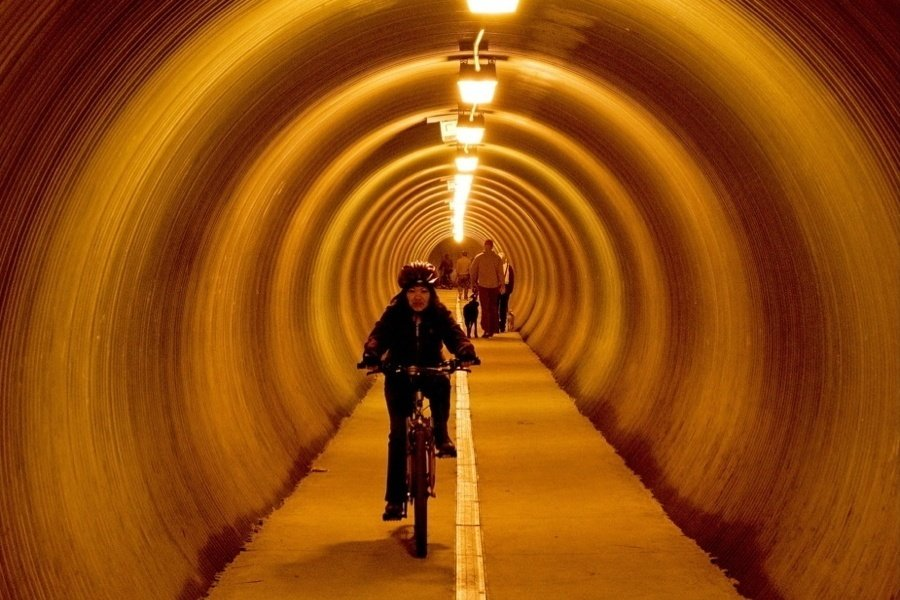 Tunnel Biker
