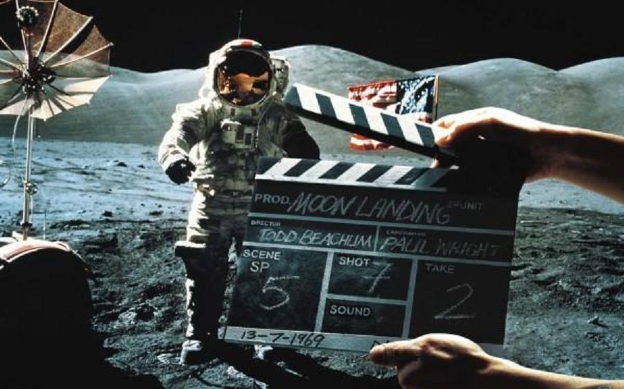 Moon Hoax Soundboard Clapper