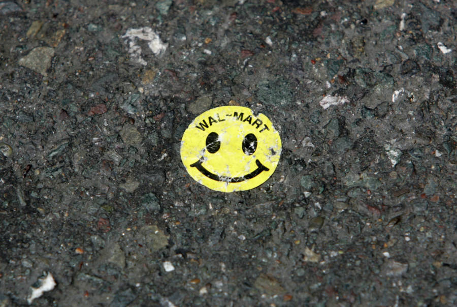 Smiley Face Sticker Ground