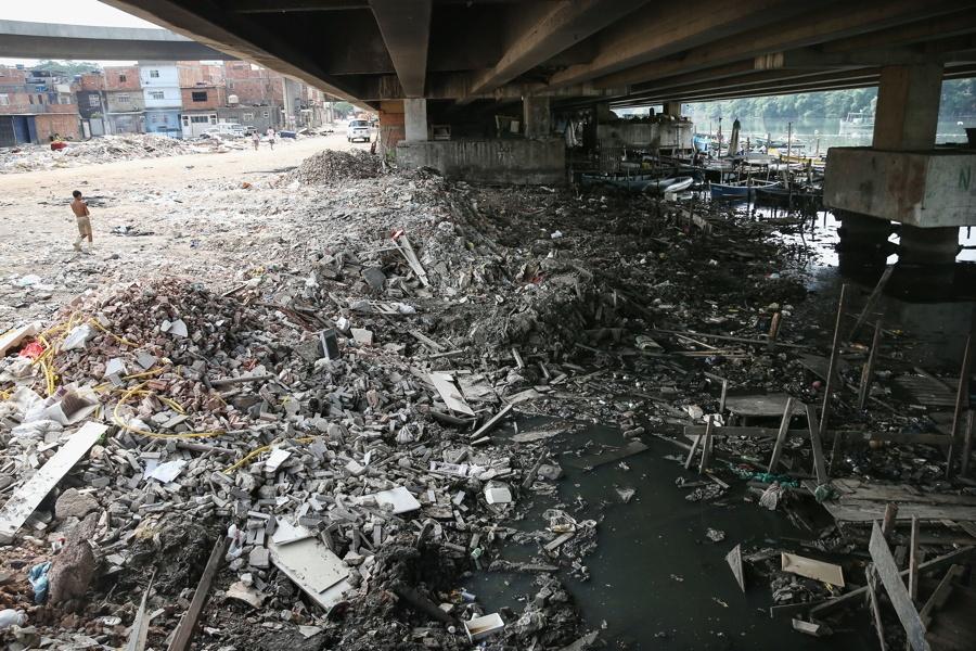 Trash Overpass