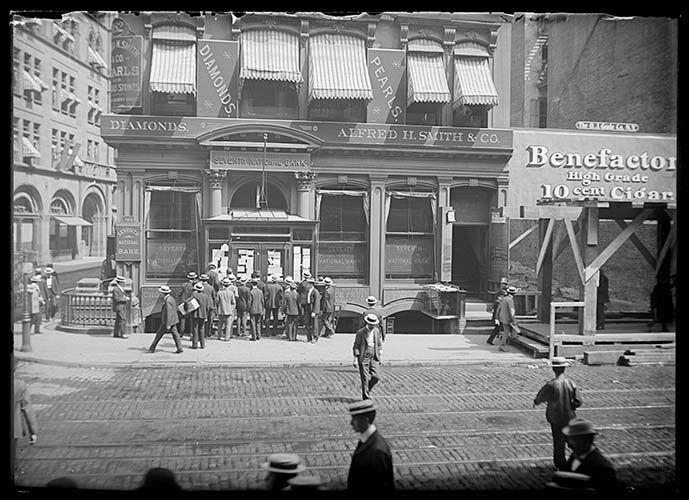 Crowd Reading Notices On The Closed Doors Of The Seventh National Bank Building, June 27, 190