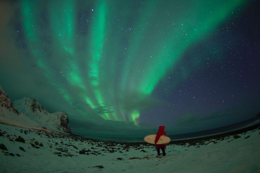 Aurora Surfer