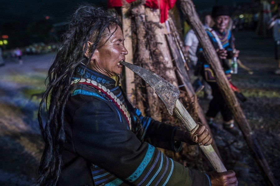 Witch Doctors: 25 Eye-Popping Photos From Around The World