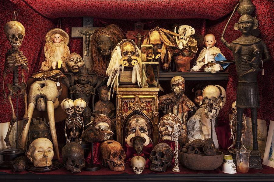 Dead People Cabinet