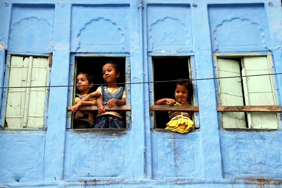 Kids Peering