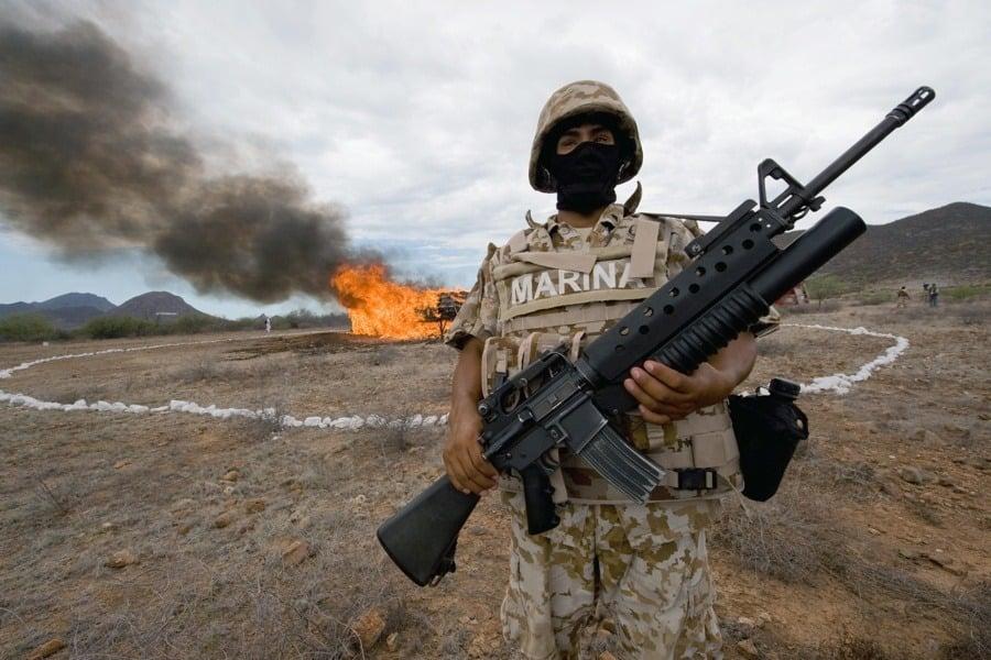 Marine Holding Gun