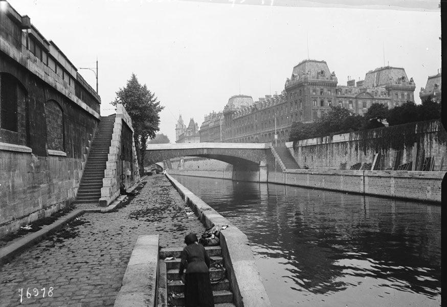 Quai Saint Michel Paris