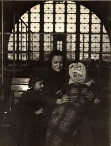Mona Lisa Visits Ellis Island