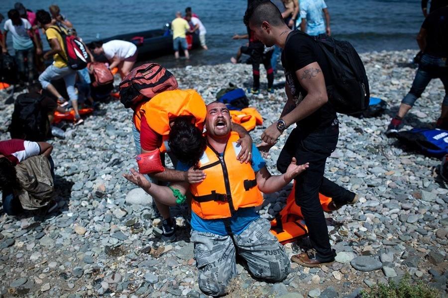 Man Crying Lesbos