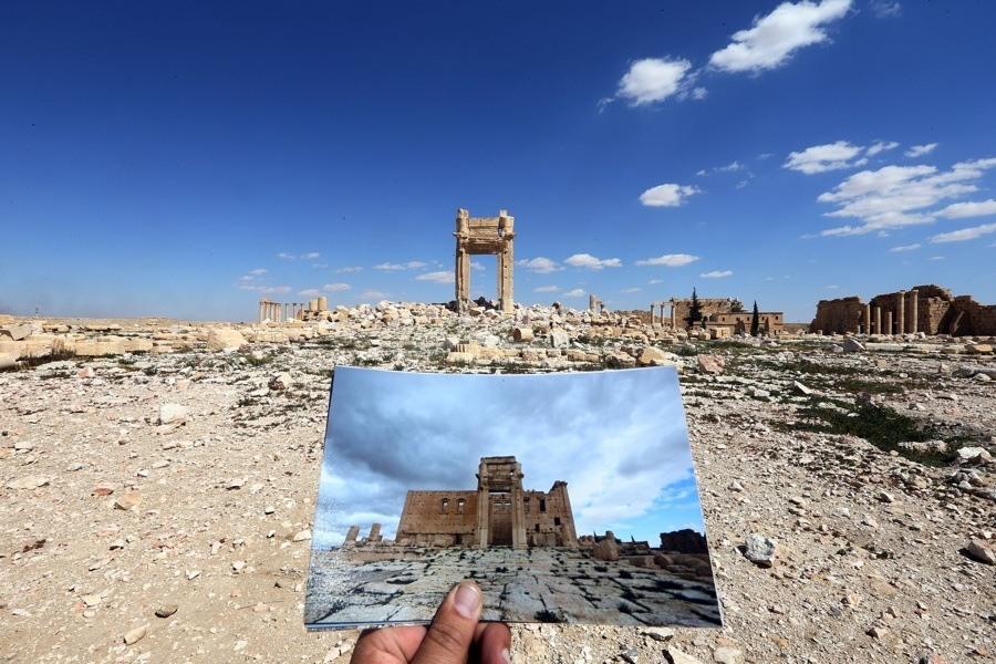 Old Ruins Photo Hand