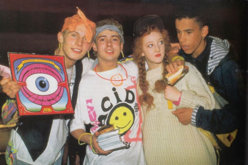 29 raw images of the 1990s rave scene at its zenith for Acid house 90s