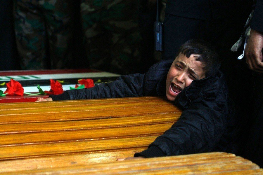 War Against Isis Distraught Child