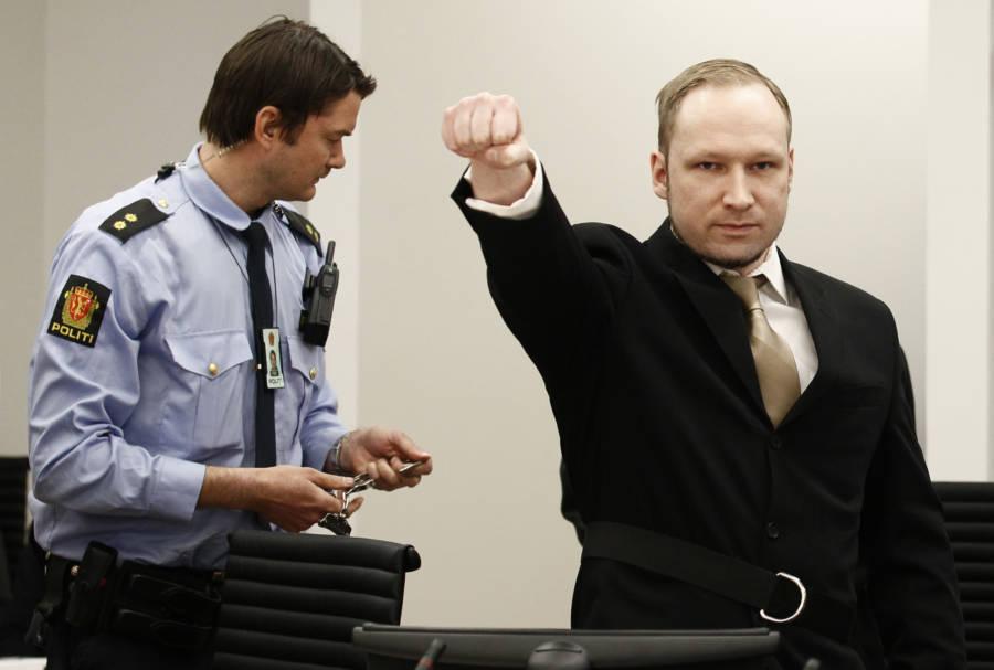 Anders Behring Breivik Nazi Salute