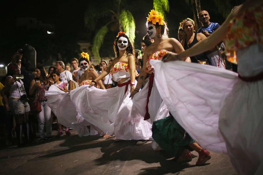 El Dia Muertos Costumes