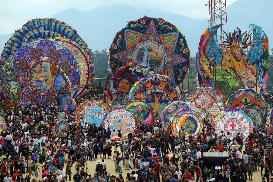 El Dia Muertos Giant Kites