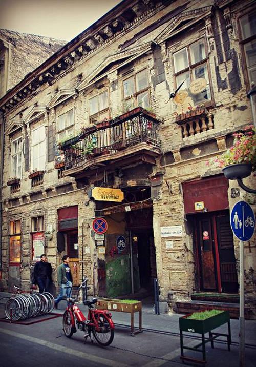 More Ruin Bars In Budapest