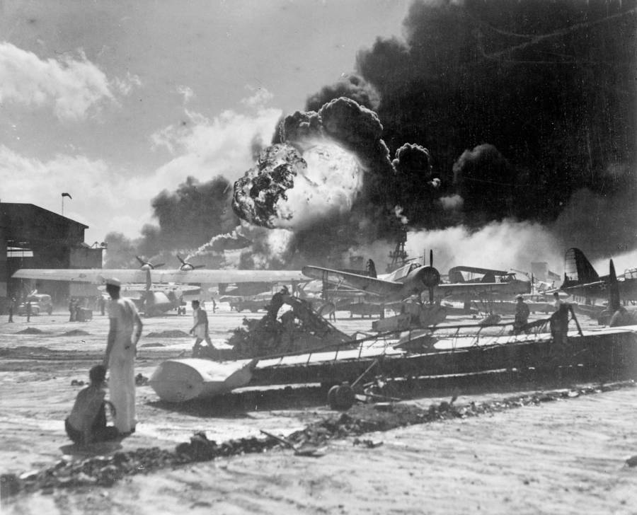 Pearl Harbor Planes Explosion