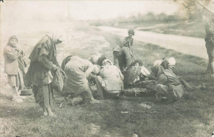 Refugees Finding Food