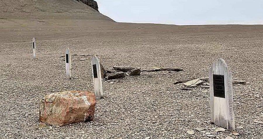 Headstoneds Graves Torrington Mummification