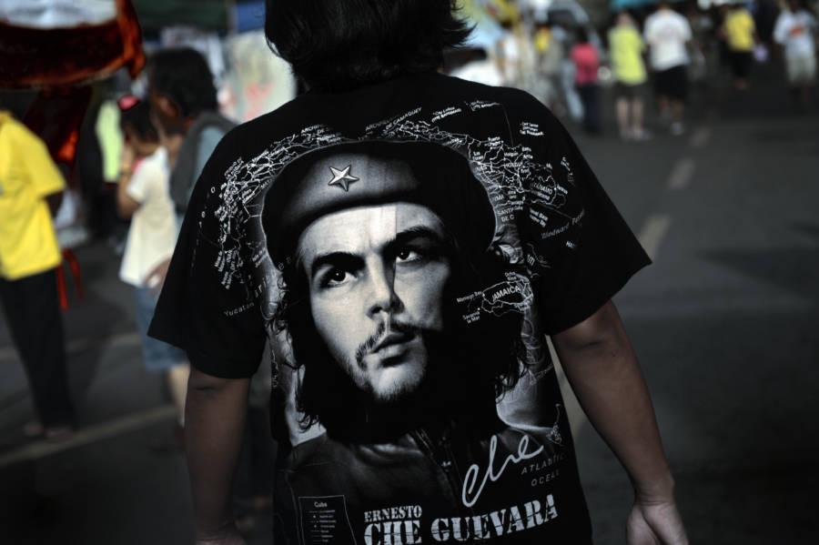 Man Wearing Che Shirt