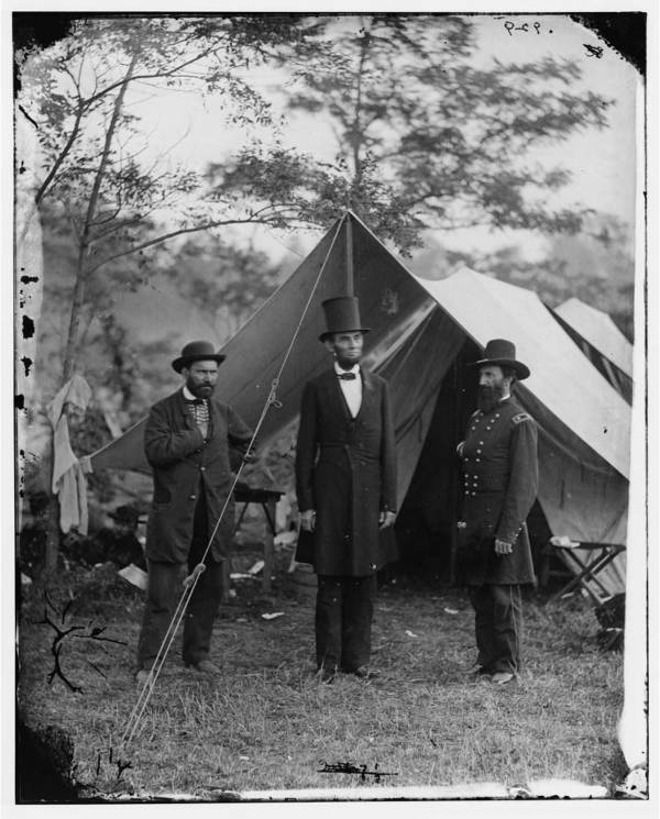 Lincoln Standing On Battlefield