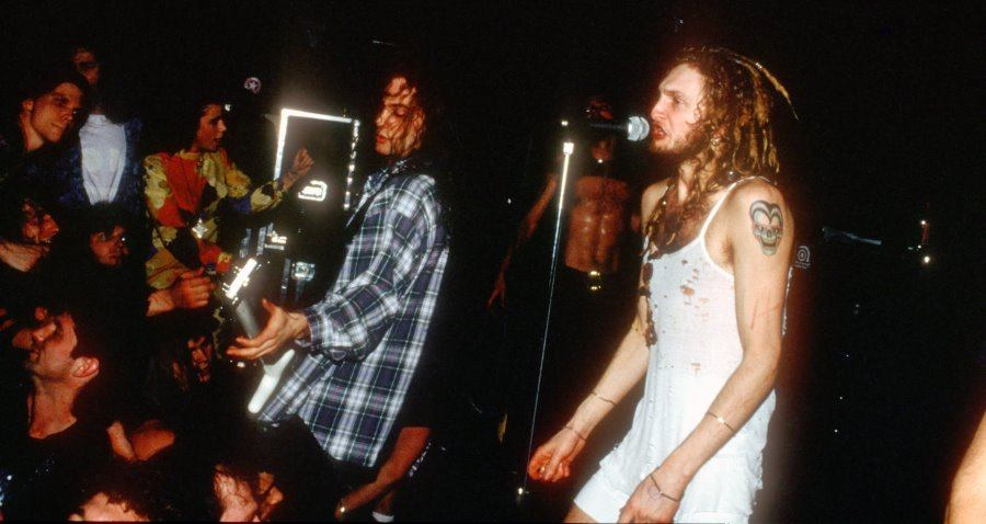 Seattle Grunge: 17 Vintage Photos From The Music That