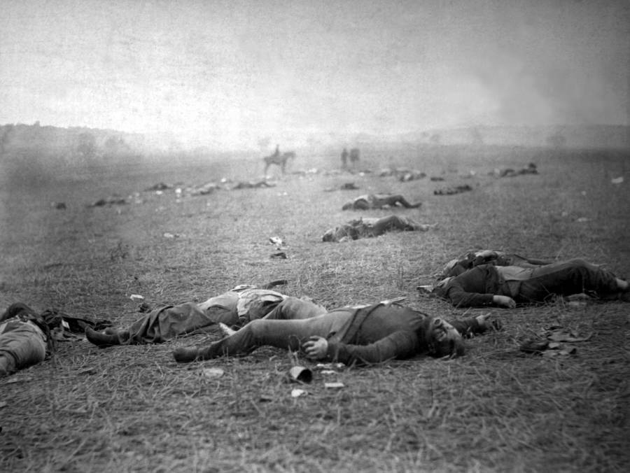 Gettysburg Dead On Ground
