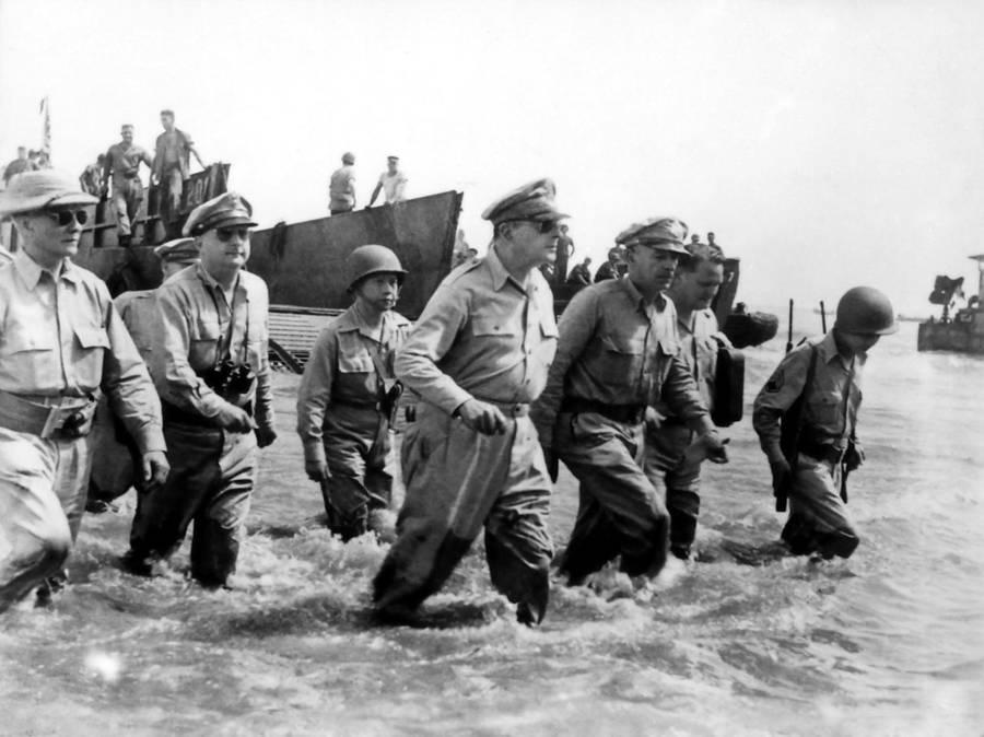 Macarthur Lands At Leyte
