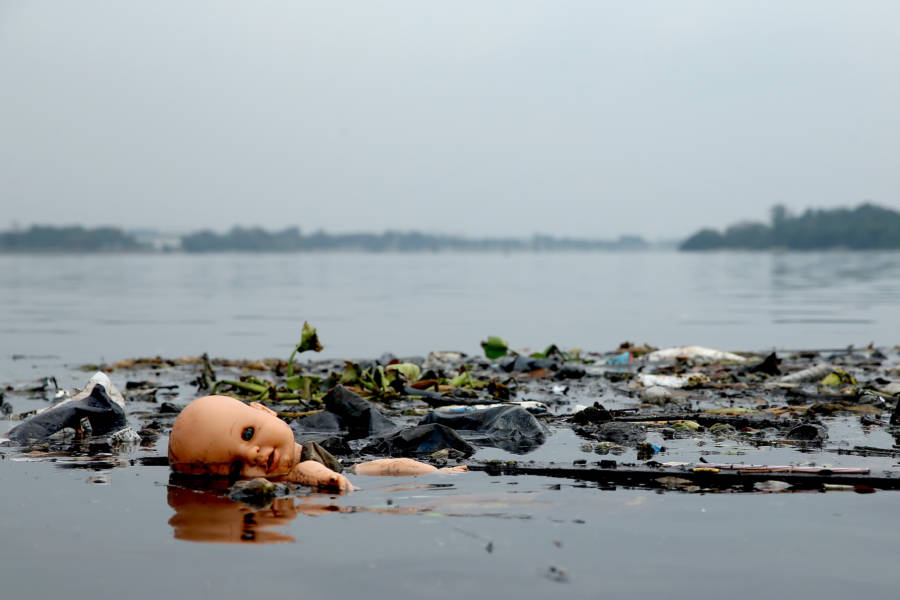 Rio Pollution Doll Floating
