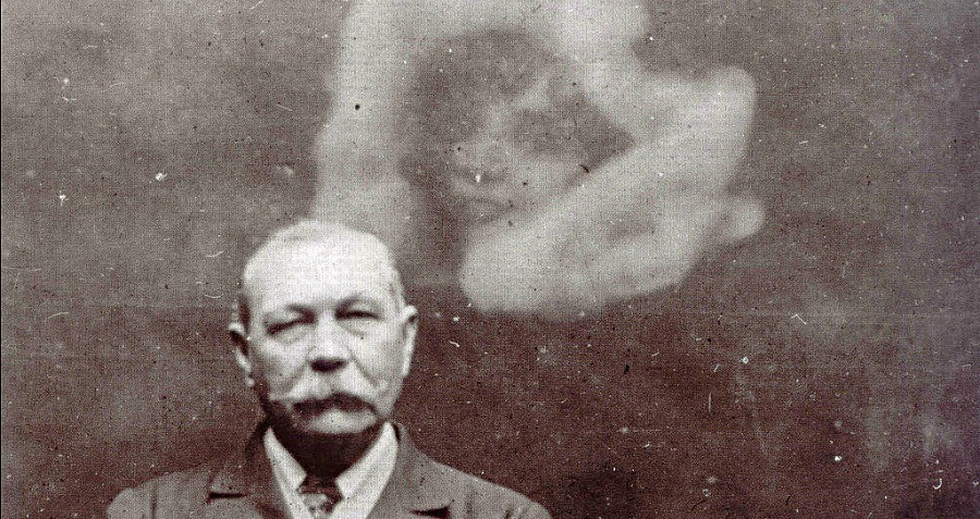 Spirit Photograph Sir Arthur Conan Doyle Hoax