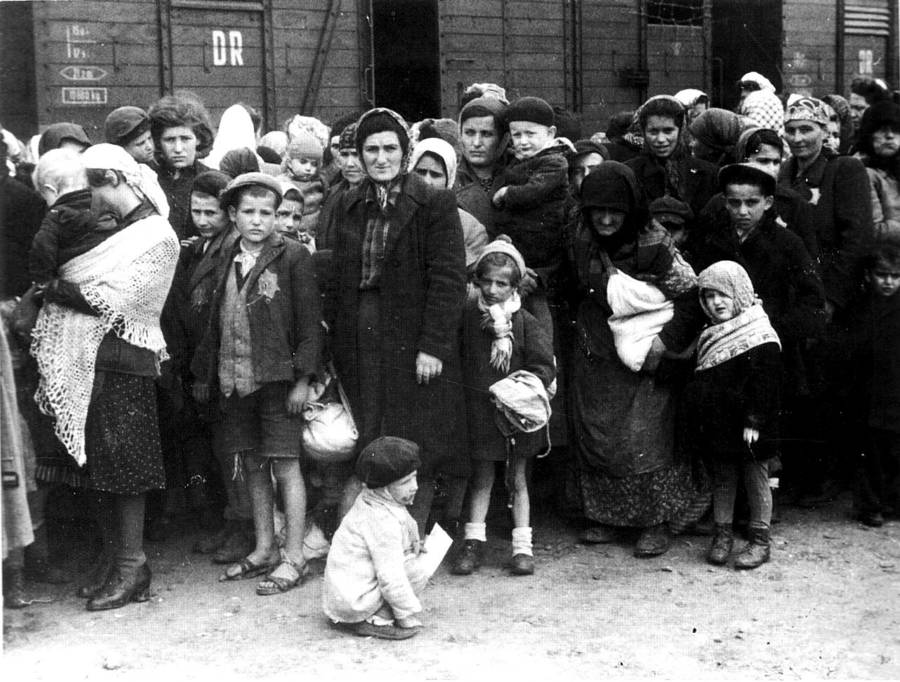 Women Children Holocaust Photos