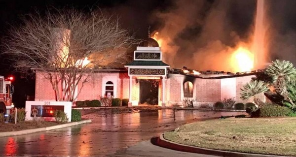 After Texas Mosque Burns Down, Jewish Community Members Offer Muslims Their Synagogue