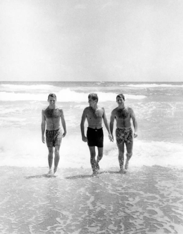 Kennedy Surf