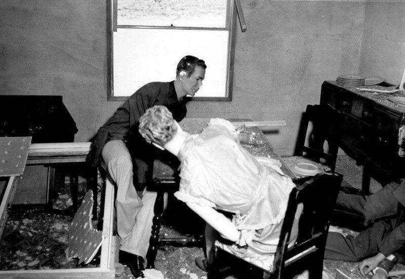 Mannequin Couple Dining Post Blast
