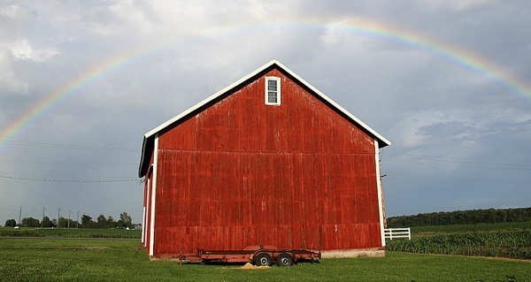 Why Are Barns Painted Red? Dying Stars, Physics, And More