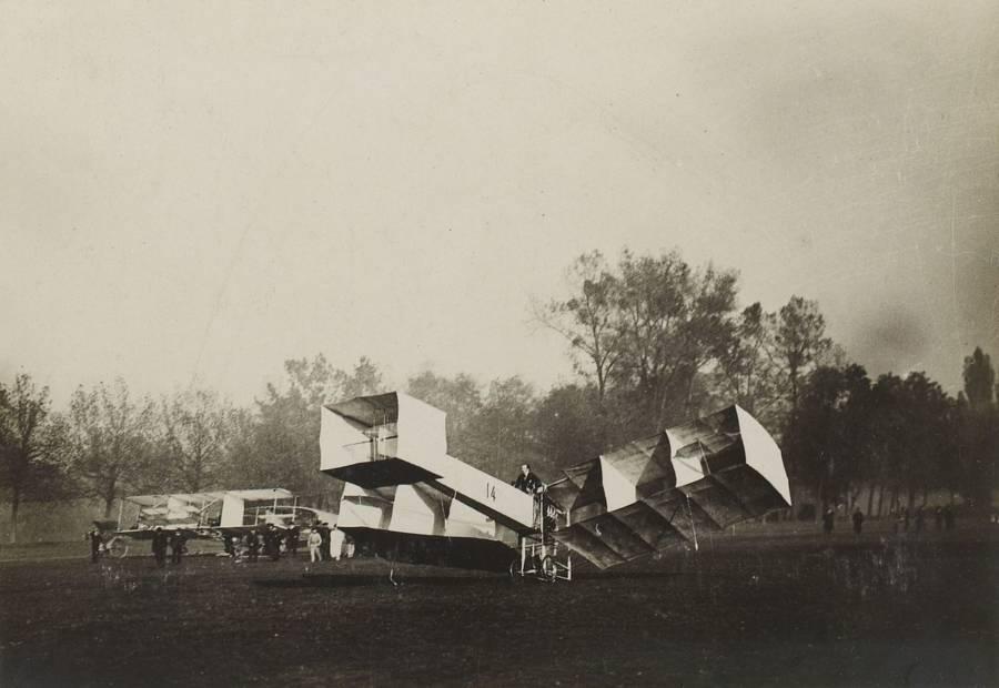 Dumont Flyer