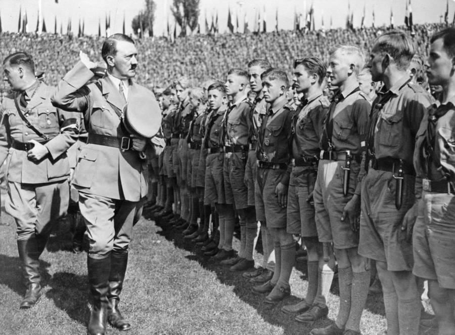 Hitler Inspection