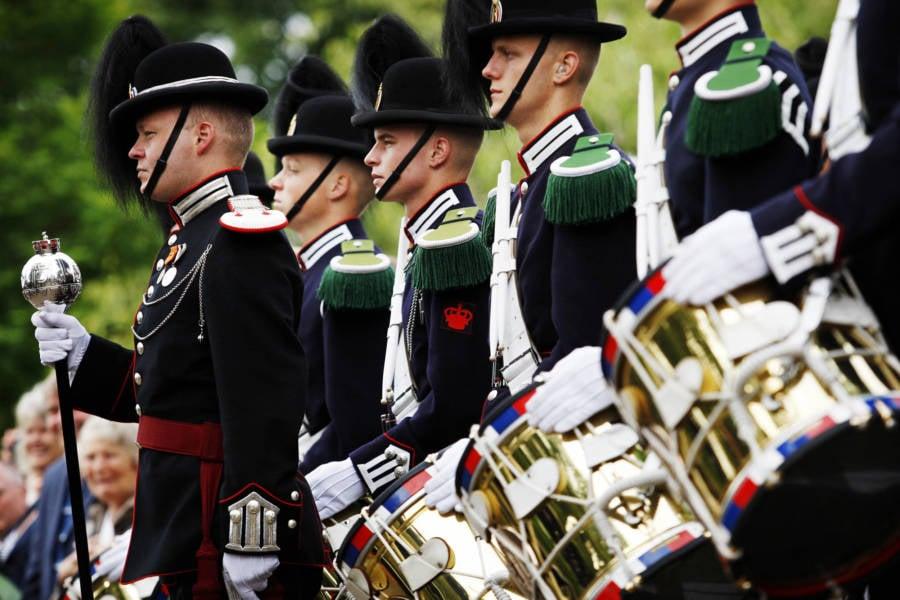 Kings Guard Norway Knighthood Edinburgh Zoo