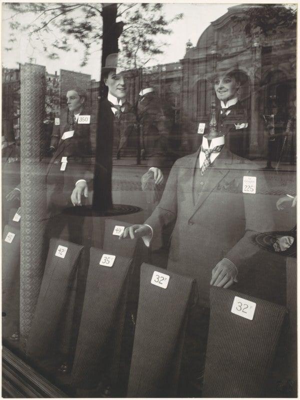 Mannequins Men Storefront