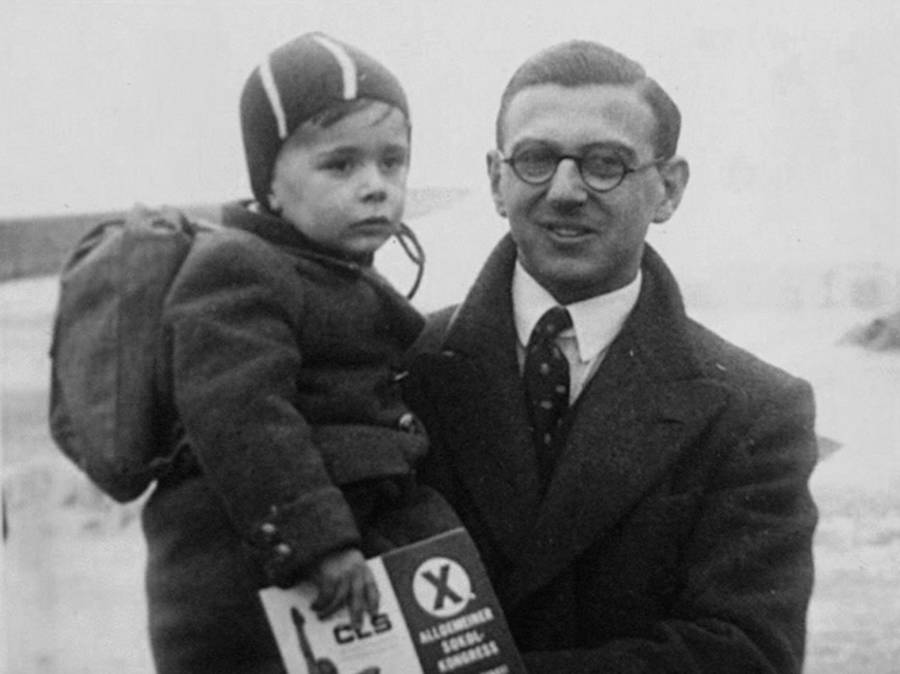 Nicholas Winton Holding A Child
