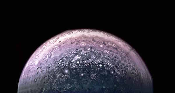 NASA's $1 Billion Probe Just Sent Back Photos of Jupiter Like You've Never Seen It Before