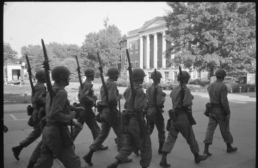 Troops And Alabama University