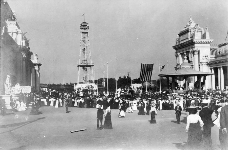Worlds Fair Crowd
