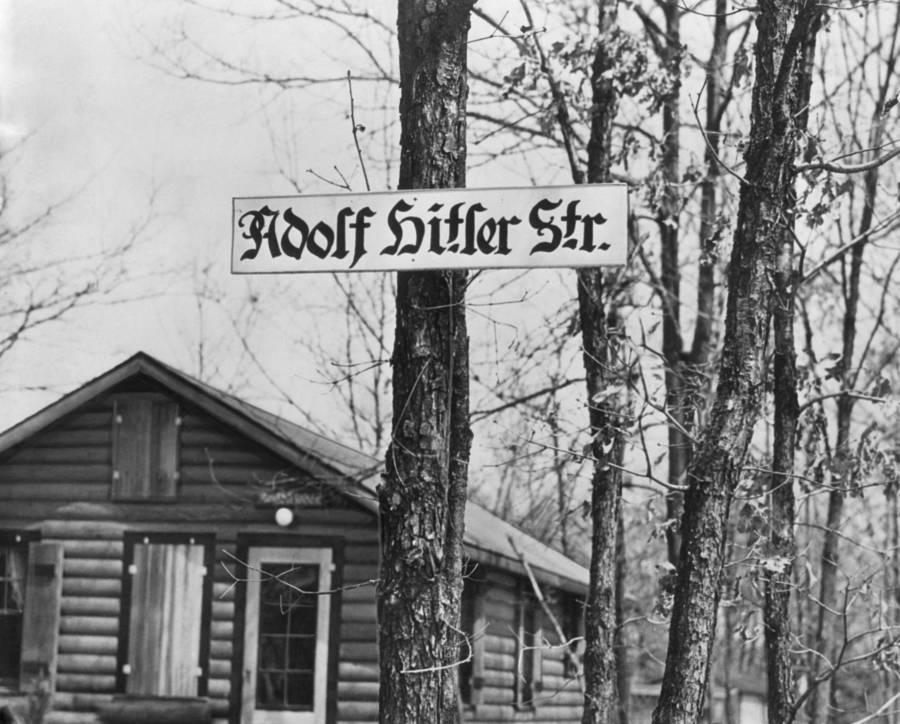 Adolf Hitler Sign