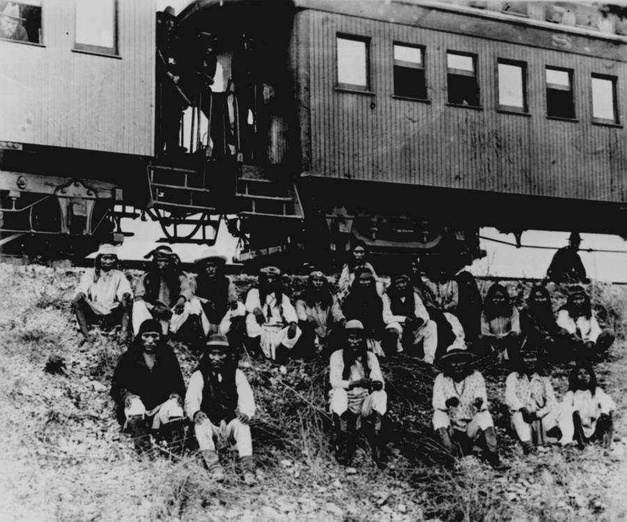 Apache Indian Prisoners
