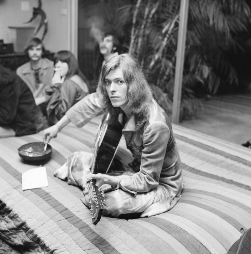 Bowie Bed Long Hair