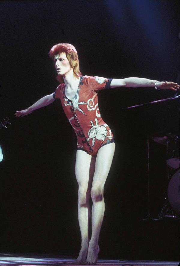 Bowie Tiptoes