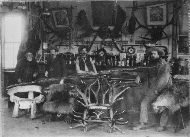 Kinman Bar