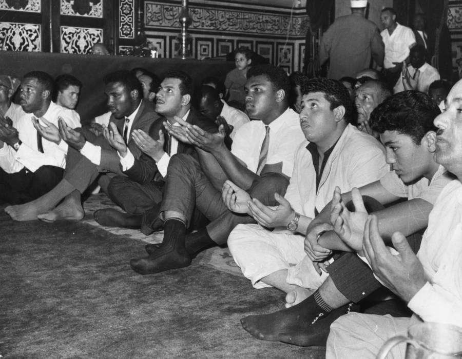 Muhammad Ali Muslim Prayer