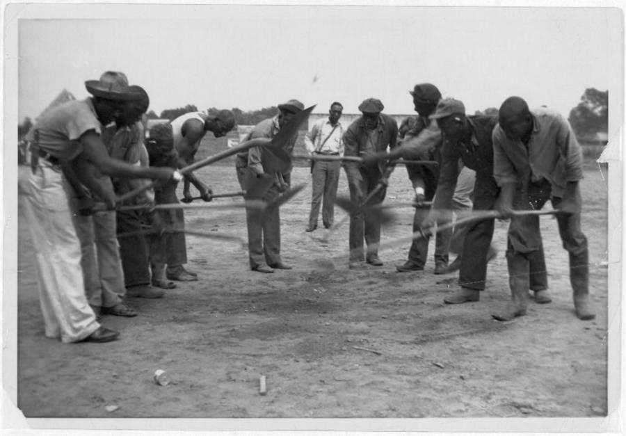 Prisoners Sing Rock Island Line